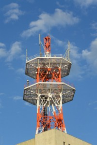 NTT西日本鳥羽ビルの電波塔(鳥羽市)
