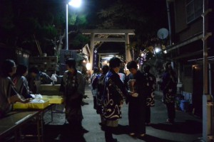奉納薪能の後で、賀多神社(鳥羽市鳥羽)
