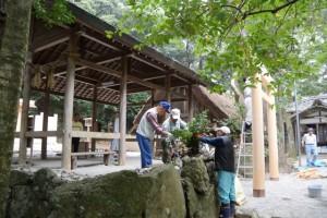 新しい榊巻の準備(松下社)