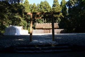 御造替を終えた(?)神服織機殿神社(皇大神宮所管社)と八尋殿