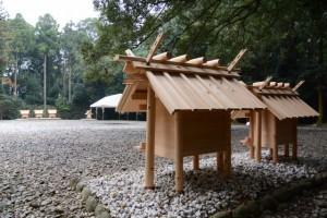 御造替が完了した神服織機殿神社末社八所の・・・