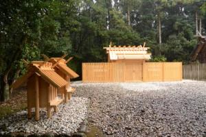 御造替された神服織機殿神社と同社末社八所の・・・