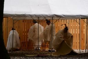 遷御の翌朝、大御饌の儀(神服織機殿神社および同社末社八所)