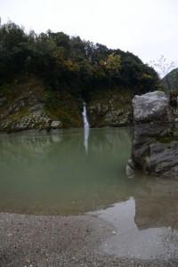 三瀬の渡し跡付近の滝(宮川)