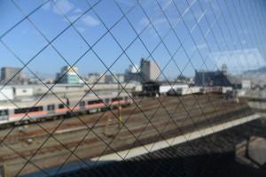 跨線橋から望む多数の引き込み線(JR参宮線 伊勢市駅)