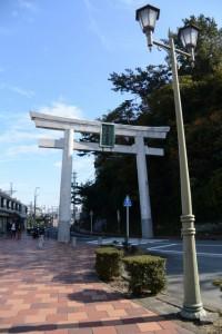 金刀比羅神社の大鳥居(鳥羽駅前)