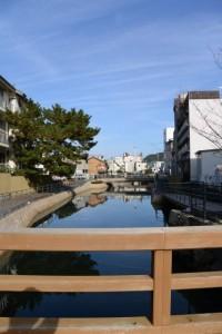 相橋から望む妙慶川の下流側