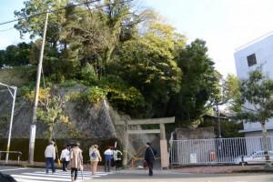 大山祇神社の参道鳥居付近(鳥羽市鳥羽)