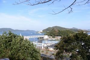 城山公園から望むミキモト真珠島