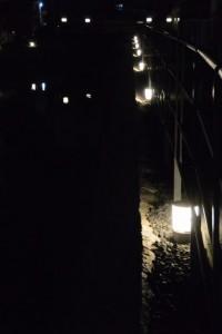 妙慶川の灯火