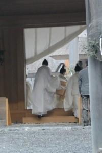 新嘗祭、御正宮へ向かう御鑰を納めた辛櫃(外宮)