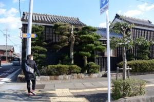 伊勢本街道、JR田丸駅への交差点