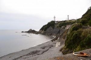 須場の浜と大王埼灯台