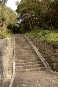 波切神社の参道(須場の浜付近)