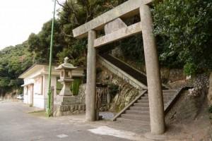 波切神社の参道鳥居(波切漁港付近)