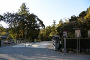 表参道火除橋と月次祭の祭典看板(外宮)