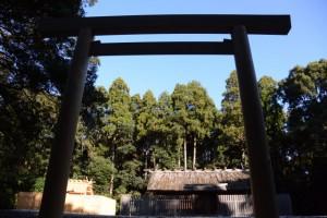 神服織機殿神社、八尋殿ほか