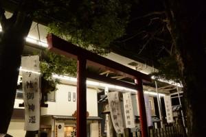 照明が明るい伊勢高柳商店街のアーケード(今社付近)