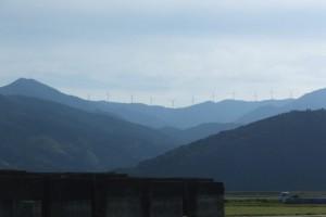 国見山ウィンドファームの遠望