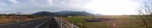 弁天橋(塩入川)付近から望む権現山方向