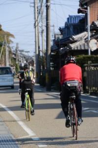 サイクリスト(伊勢街道、竹神社付近)