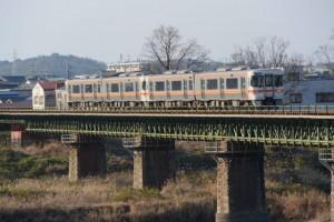 宮川橋から望むJR参宮線