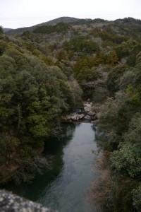 河内ダムから見下ろした鳥羽河内川