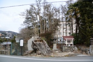 椋の大木跡、燈籠、塞の神:伊勢本街道 (4)相可-B 35、34、32