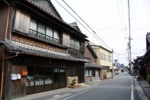 SANCO 相可高校前 バスのりば〜長新本舗(伊勢本街道)