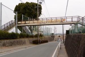 城田小学校前の歩道橋(伊勢市上地町)