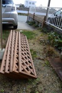新しいラティスフェンス(自宅のフェンス修理)