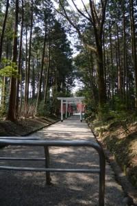 離宮院公園から官舎神社への参道