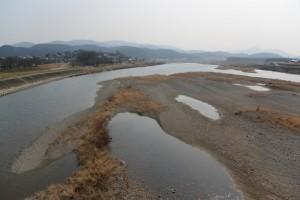 度会橋から望む宮川の上流側