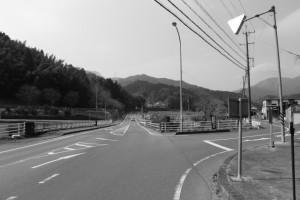国道163号(伊賀街道)と旧道との分岐