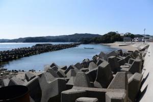 安楽島海水浴場の隣の浜(鳥羽市安楽島町)