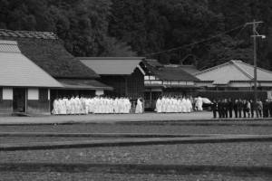 神田下種祭の参進開始前(神宮神田)