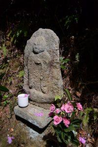 小石仏(石山観音)