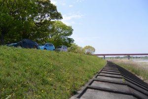 宮川ラブリバー公園、赤い橋は豊浜大橋