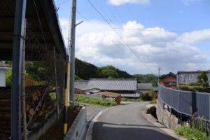 長野神社への道で振り向いて(津市美里町北長野)