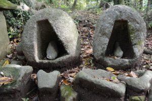 長野神社の珍しい祠(津市美里町北長野)