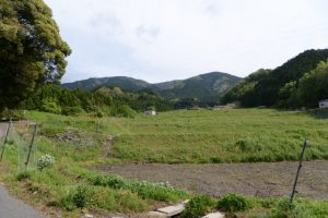 長野神社付近から遠望する経ヶ峰(津市美里町北長野)