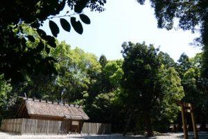 神御衣奉織始祭を終えた神麻続機殿神社の八尋殿