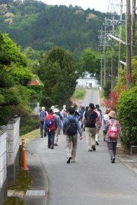 新田踏切〜馬鹿曲り入口(熊野古道伊勢路)