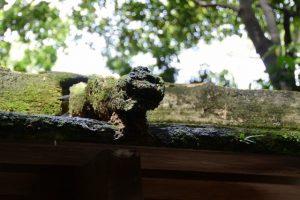 傷みが激しい河原淵神社(豊受大神宮 摂社)
