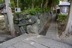参道の石橋(河邊七種神社)から環濠跡を辿って