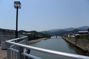 江川橋から遠望した日の出橋方向(五十鈴川派川)