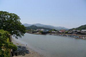 日の出橋(五十鈴川派川)からの平常を取り戻した江漁港の遠望