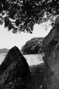 粟皇子神社(皇大神宮 摂社)が鎮座する浜へ