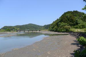 五十鈴川派川と松下川の合流点