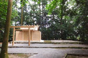 御遷座を終え仮殿は姿を消していた朽羅神社(皇大神宮 摂社)